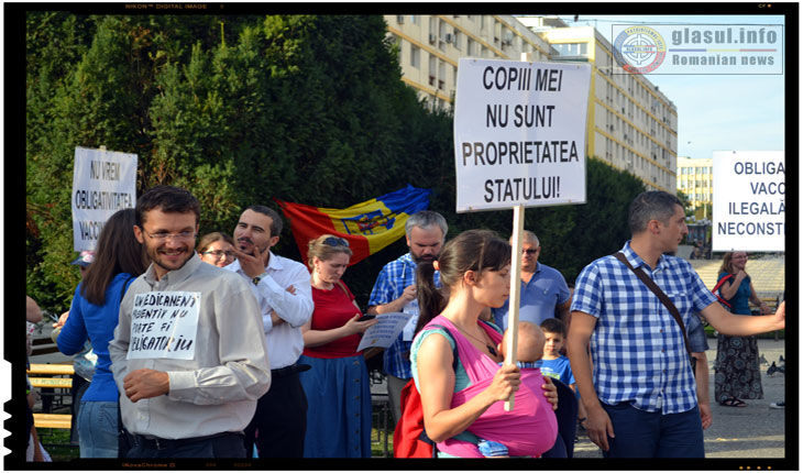 Protest impotriva obligativitatii vaccinurilor la IASI