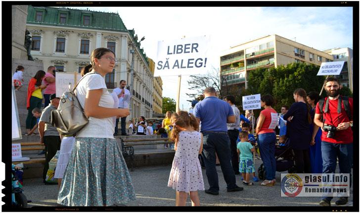 Duminica, 17 septembrie 2017, Protestul impotriva vaccinarii obligatorii, Piata Unirii din IASI, Foto: Fandel Mihai