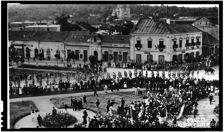 Trupele maghiare mărșăluiesc în Zalău in ajunul masacrului