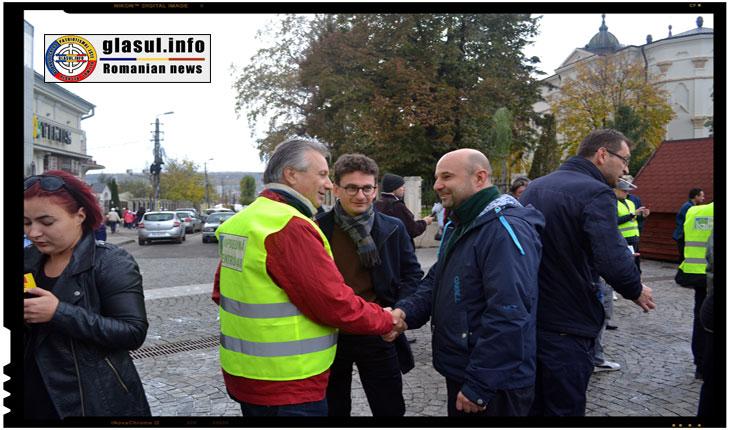 Deputatul USR Iulian Bulai participand la mitingul pentru Autostrada IASI - Tg. Mures, Foto: Fandel Mihai