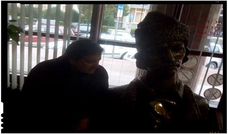 """De patru ani se petrece o situatie revoltatoare la Sibiu, acolo unde bustul lui Avram Iancu sta """"cu cearsaful pe cap"""", Foto: facebook.com/laurian.stanchescu"""