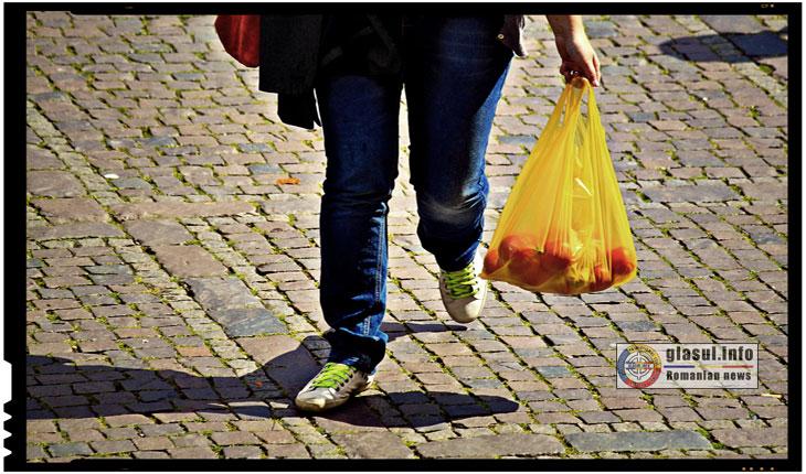 Atentie! Parlamentul interzice de acum oficial pungile de plastic