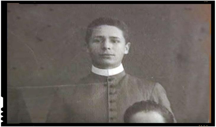 Nyiro Jozsef s-a remarcat ca fiind unul dintre cei care au infiintatTuzharcosok (Ceata luptătorilor de foc), o organizatie paramilitara maghiara cu orientare fascista