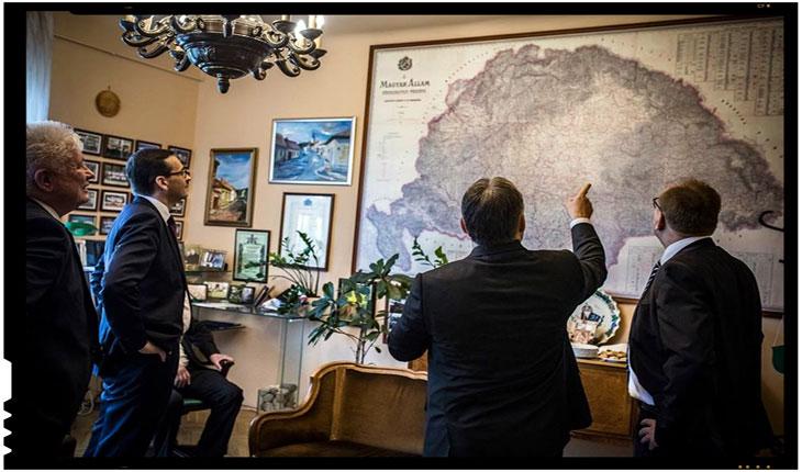 Viktor Orban prezentand harta Ungariei Mari unor oaspeti polonezi, Foto: facebook