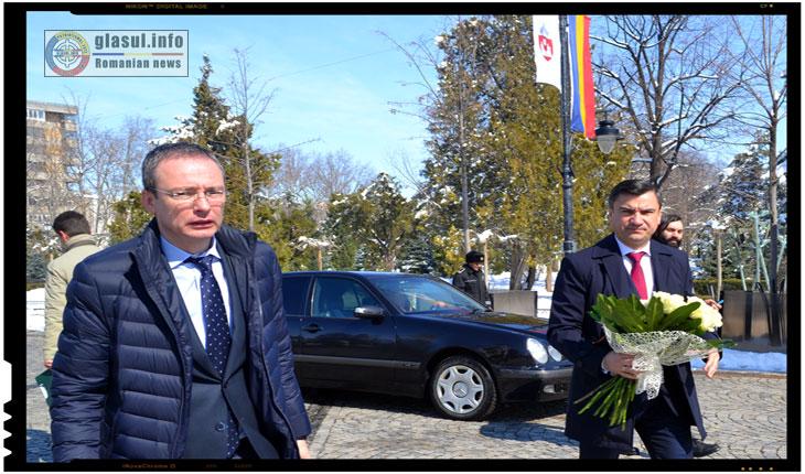 Viceprimarul Gabriel Harabagiu impreuna cu primarul Mihai Chirica, martie 2018
