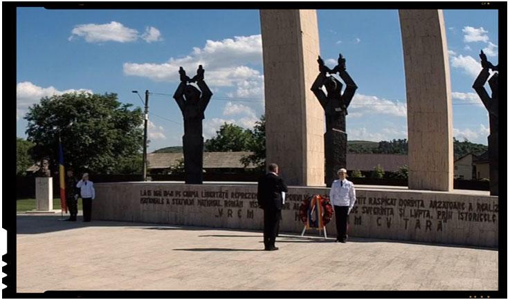 """Klaus Iohannis la monumentul """"Gloria"""" de pe Câmpia Libertăţii de la Blaj, Foto: captura video facebook/ alba24.ro"""