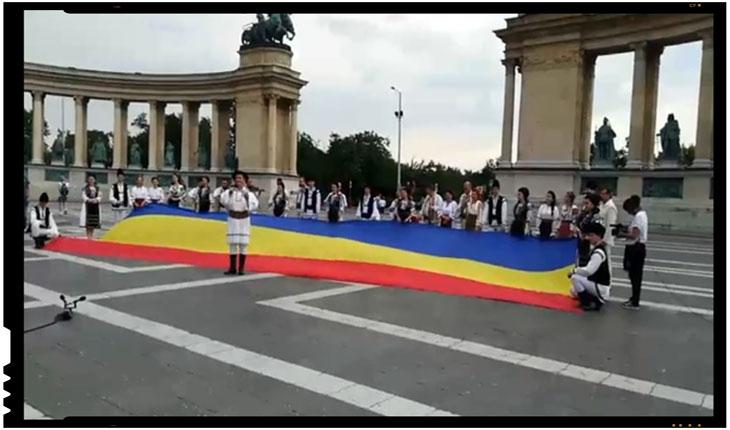(VIDEO) DRAPELUL ROMÂNIEI – DESFĂŞURAT ÎN PIAŢA EROILOR DIN BUDAPESTA, Foto: TVR Cluj