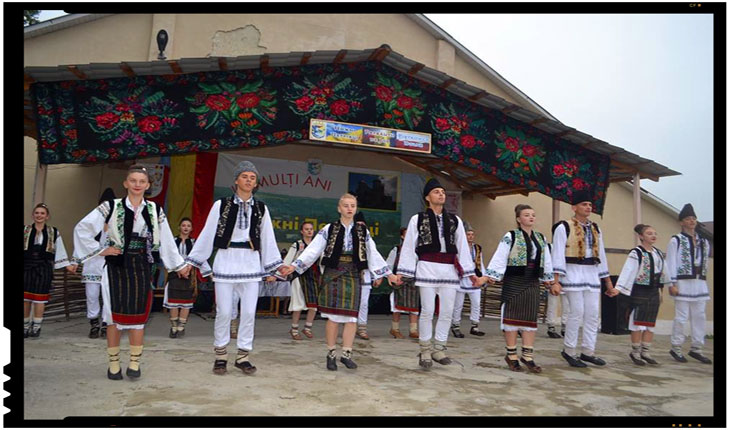 LA PĂTRĂUŢI SACRALITATEA SE ÎNTRUCHIPEAZĂ ÎN CHIPUL LIMBII ROMÂNE, Foto: ZorileBucovinei.com
