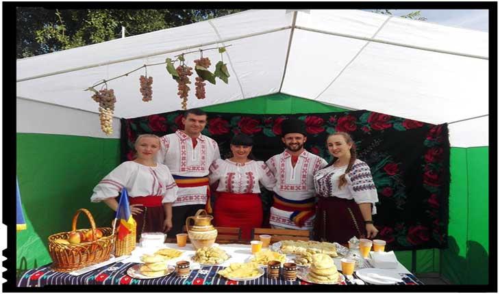 Români prezenți pentru prima dată la parada etniilor cu ocazia Zilei orașului Ismail, Foto: Facebook / Centrul de Informare al Romaniei din Ismail