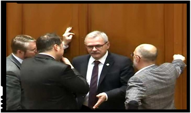 """Mihai Tîrnoveanu: """"Le spunem clar, răspicat: NU vom accepta Codul Administrativ, Nu vom accepta ca limba maghiară să devină a doua limbă oficială în stat!"""", Foto: youtube"""