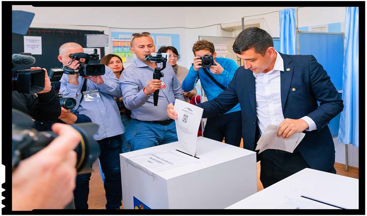 George Simion și primarul Mihai Chirica, primii votanţi la o secţie din municipiul Iași