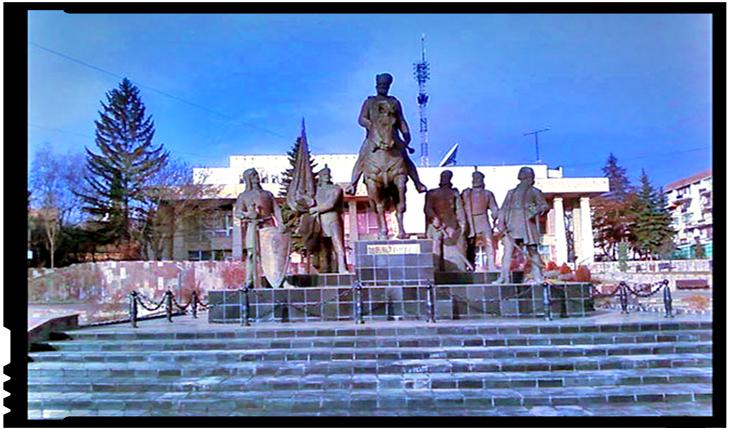 Dan Tanasă avertizează: primarul UDMR-ist de la Sf. Gheorghe vrea să mute statuia lui Mihai Viteazul, încurajat de demersul de la Oradea