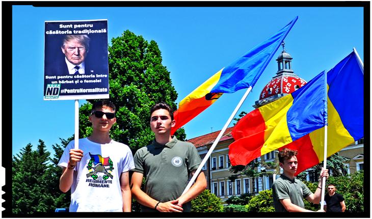 Ca și la Cluj, la București s-a protestat azi cu portretul lui Trump în mână la Marșul Normalității