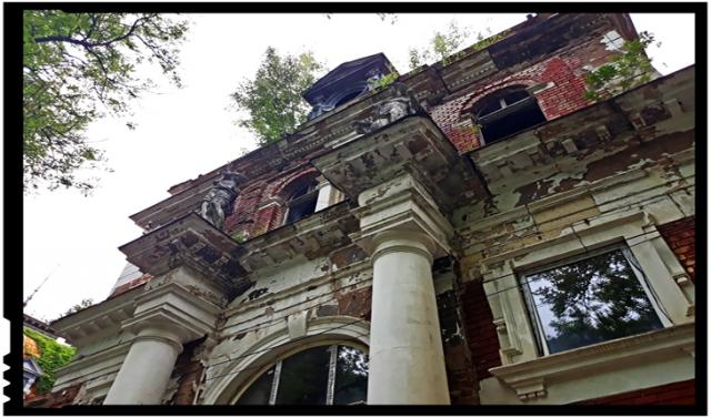 O mână de oameni cu dragoste de românism și cultură a mărșăluit pentru salvarea stațiunii Băile Herculane