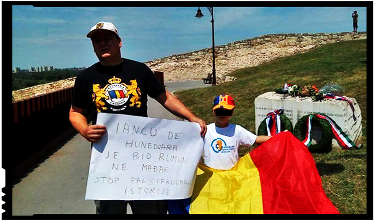 Un român a protestat la Belgrad împotriva unui fals istoric: Iancu de Hunedoara a fost român, nu ungur!