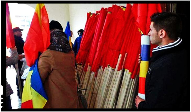 Vinovat pentru cele 3000 de steaguri tricolore pe care le-am dăruit împreună cu sute de alți români, fraților si surorilor noastre din Covasna si Harghita, Foto: Facebook / Mihai Tîrnoveanu