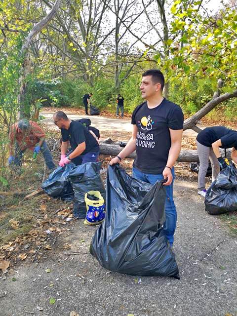 Mișcarea politică România Mare în Europa a întreprins duminică o acțiune de igienizare și de protest în Parcul Titan din Sectorul 3 al Bucureștiului