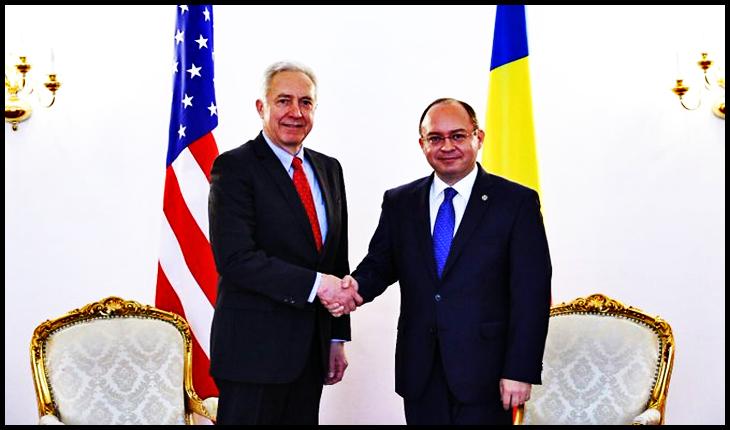 Primirea de către ministrul afacerilor externe Bogdan Aurescu a ambasadorului SUA la București, Hans Klemm, în vizită de rămas bun, Foto: mae.ro