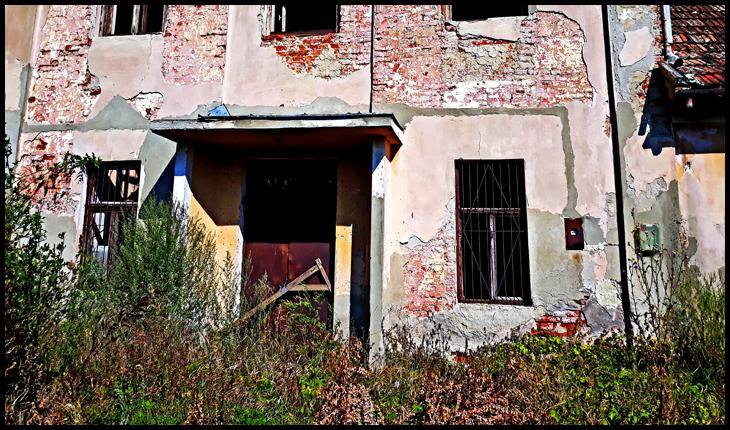Așa arată căminul cultural din satul Ianculești, Municipiul Carei