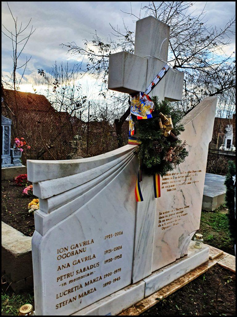 Mormântul lui  Ion Gavrilă Ogoranu,  satul Galtiu din judetul Alba
