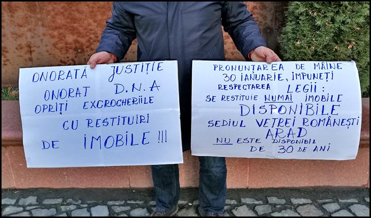 Sediul Vetrei Româneşti de pe str. Revoluţiei 55 din Arad a fost câştigat în instanţă de către un bătrânel septuagenar