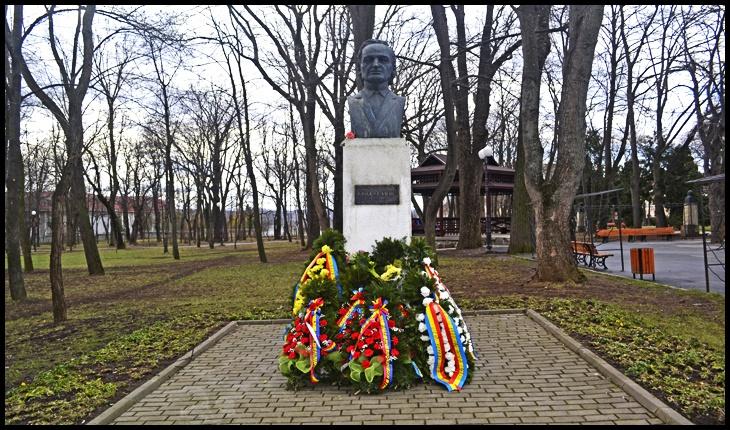 In memoriam Grigore Vieru, ediția a XII-a la IAȘI: artişti şi scriitori din Republica Moldova şi Ucraina prezenţi la eveniment