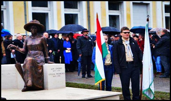 K. Hunor contestă alegerile în două runde, dar nu spune nimic despre faptul că a venit la Carei la dezvelirea grupului statuar Otilia Marchiș-Ady Endre și nu a vorbit deloc în limba română, Foto: Buletin de Carei
