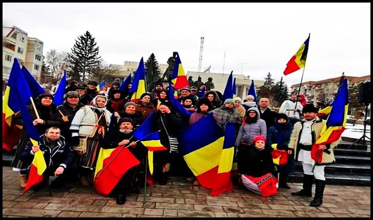 Mai multe organizații îsi dau mâna peste Carpați pentru a apăra piatra de temelie a Statului Național, caracterul de unică limbă oficială în stat a limbii române, caracter dizolvat de Codul Administrativ, Foto: Facebook / Mihai Tîrnoveanu
