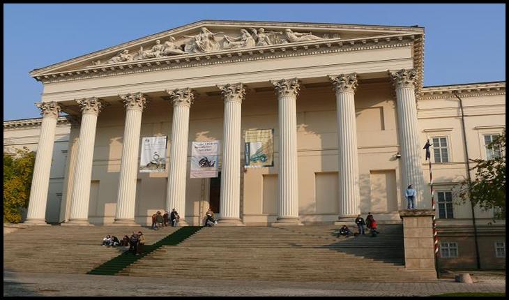 Un muzeograf ungur a furat de la Muzeul Național al Ungariei exponate în valoare de 89.000 de Euro