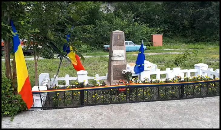 """Basarabia: Mormântul martirilor Unirii, împușcați de bolșevici, a ajuns în """"proprietate privată"""", Foto: captură video Facebook / Larisa Popovici"""