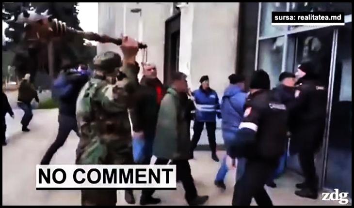 (VIDEO) Români adevărați, plăieși de-ai lui Ștefan cel Mare! Veteranii de pe Nistru cu buzduganul la Guvern, Foto: Zdg / realitatea.md