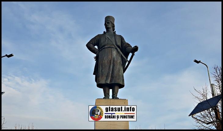 Statuia lui Tudor Vladimirescu din București, Foto: © Glasul.info / Fandel Mihai - 1 Martie 2020
