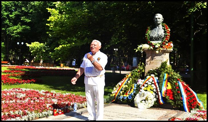 Neamul Românesc n-a uitat de Luceafărul poeziei românești: Eminescu comemorat la bustul său din Copou printr-un recital de poezie