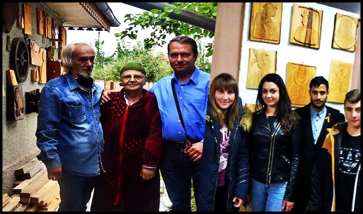 Colecție de 100 de lucrări în lemn înfățișându-i pe Voievozii, Eroii si marii oameni de cultură ai Neamului Românesc, dăruită Asociației Calea Neamului, Foto: Mihai Tîrnoveanu