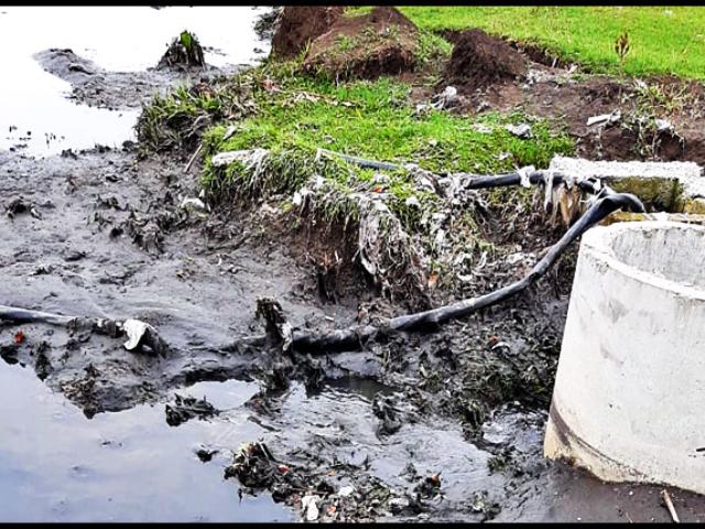 (VIDEO) Dezastru ecologic la mică distanță de Stația de tratare a apei Chirița, care alimentează aproape jumătate din orașul Iași