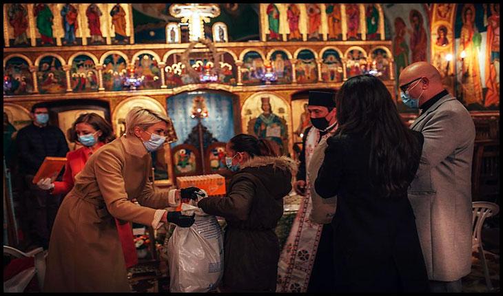 După ce au închis bisericile și au interzis accesul la pelerinajele religioase, jigodiile de la PNL își fac acum campanie electorală în Biserică?, Foto: facebook.com/RalucaTurcan/