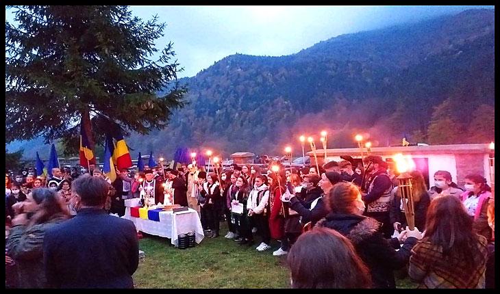 Nu ne lăsăm, răspundem prezent de Ziua Națională a României!