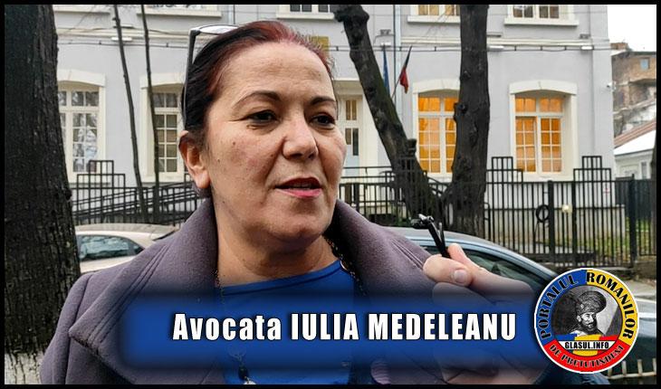 """(VIDEO) Avocata Iulia Medeleanu din Iași, """"călcată"""" de colindători nepoftiți, după ce s-a luat la luptă cu sistemul"""