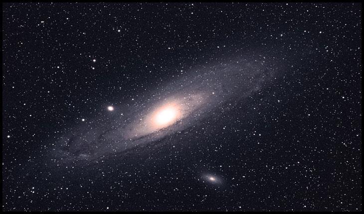 Descoperirea unei stele variabile in galaxia Andromeda