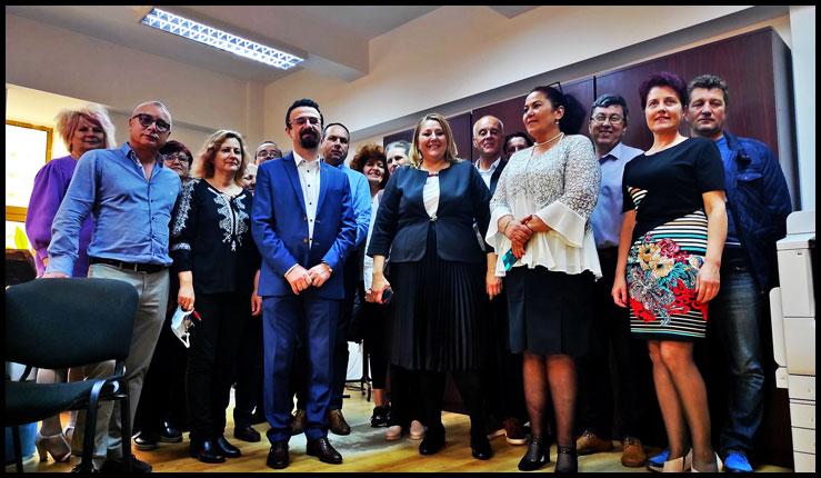 Diana Iovanovici-Șoșoacă singurul parlamentar român care s-a implicat în lupta pentru a salva CFR Marfă, o companie strategică românească, Foto: © Glasul.info